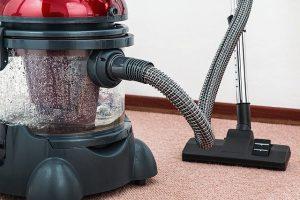 הבית מלא פרווה? שואב אבק שוטף הוא בדיוק מה שאתם צריכים